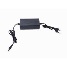 Fuente de Poder 13,5V 5A Plug-5,5x2,1mm