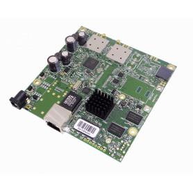 RB911G-5HPACD -MIKROTIK 802.11ac 2x2 2-MMCX 1300mW 1-1000-PoE/8-30V 720MHz 128mb L3