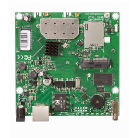 RB912UAG-2HPND -MIKROTIK L4 2,4GHZ 2X2 MINIPCIE 1-1000 2-MMCX USB 600MHZ 64MB SIMCARD